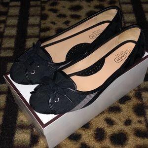 Coach Signature Black Flats Size 8 Like New